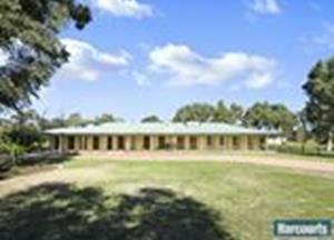 80 Crystal Brook Road Wattle Grove WA 6107 - House for Sale #117654679 - realestate.com.au